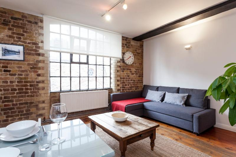 Central location within 3 minutes of London Bridge Station