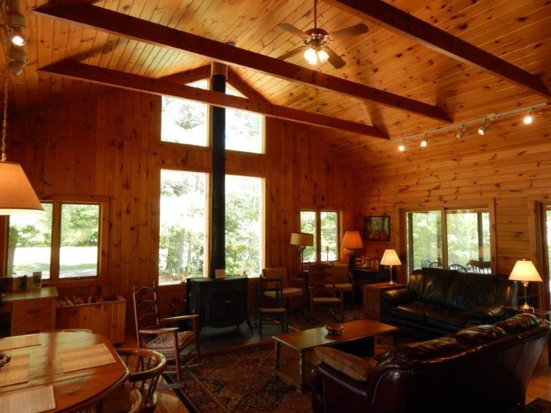 Breezes, a four season house by the lake, holiday rental in Adirondack