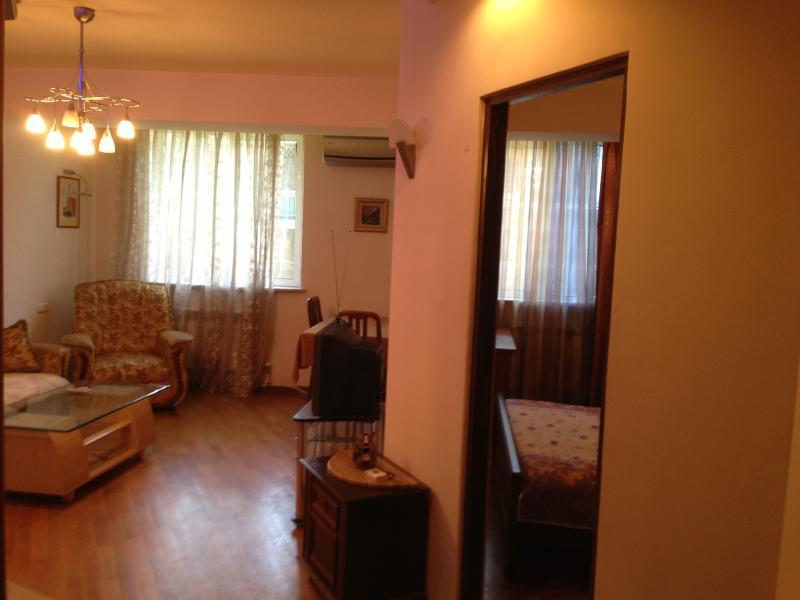 Yerevan Center One-Bedroom Apartment, holiday rental in Yerevan