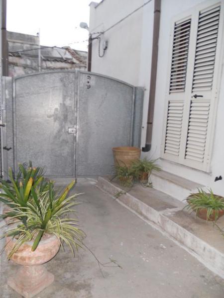 Cour intérieure, Appartement T2 entrée 2