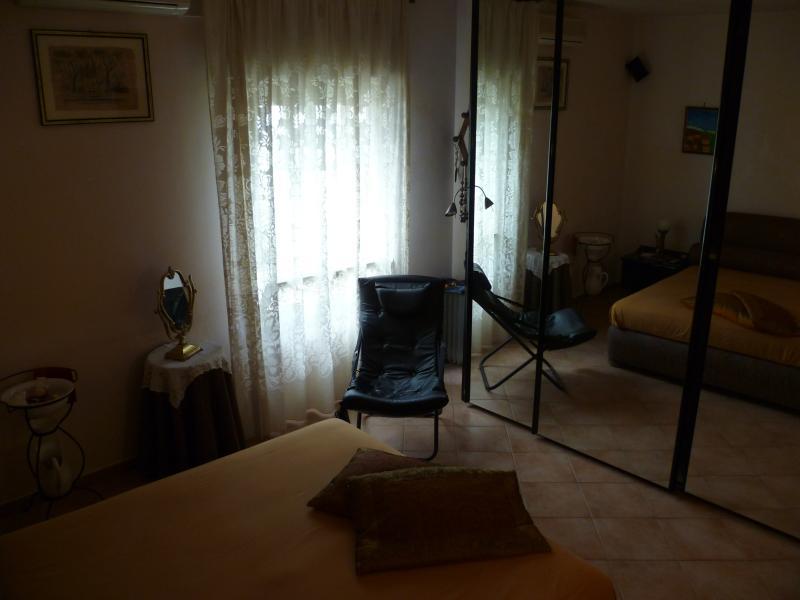 trilocale signorile casa vacanze, alquiler vacacional en Landro