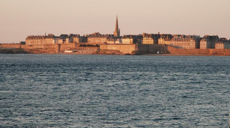 Saint Malo is only 1hr by car.