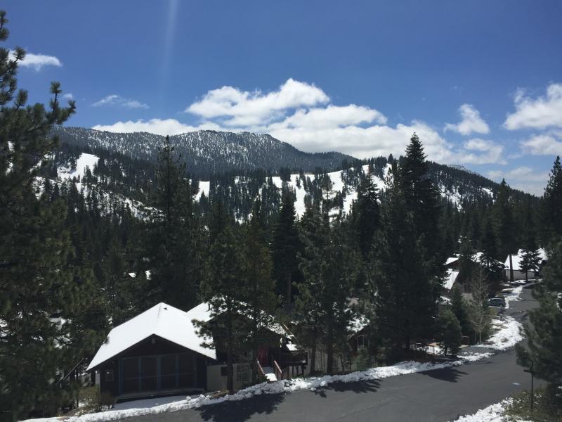 view of Diamond Peak ski resort