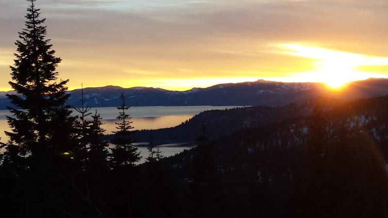 Come enjoy the beauty of Lake Tahoe-this house is nestled in the mountains-a few miles from the Lake