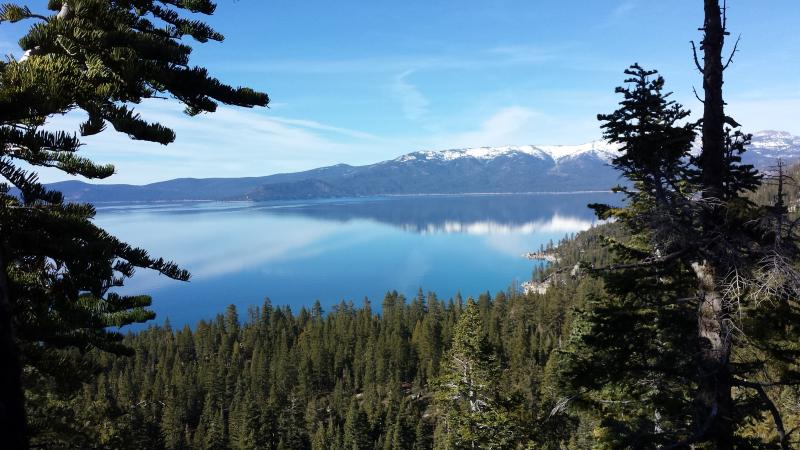with hiking trails nearby enjoy incredible views of the lake