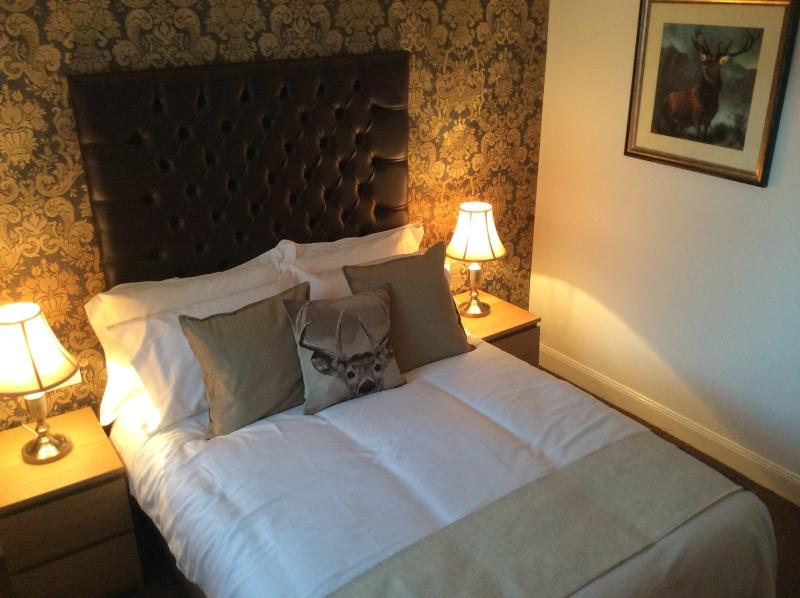 All rooms with fresh white cotton bedding throughout. TV, USB sockets etc. Ironing and hair dryers.