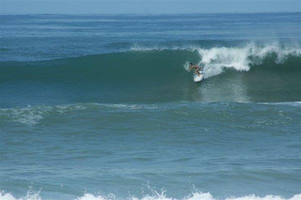 Aproveite o surf durante o ano inteiro em Hermosa Beach!