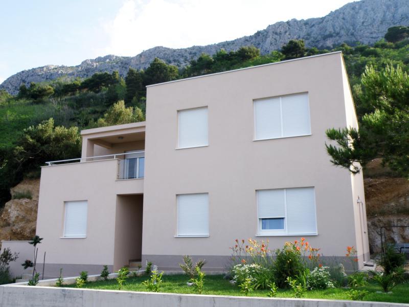 Apartment Dandelion (brand new), Brela, vacation rental in Brela