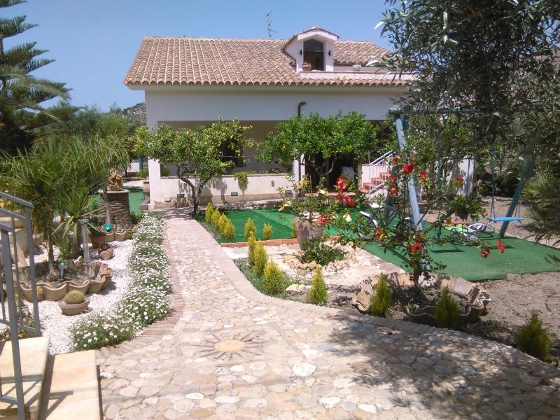 Casa Nunna camera 02, vacation rental in Marina di Palma