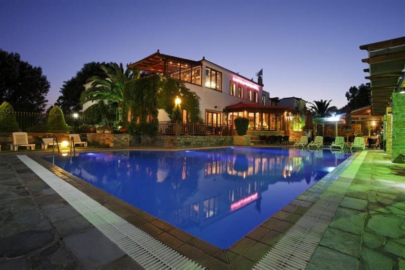 Castello Rosso Hotel, vacation rental in Euboea Region