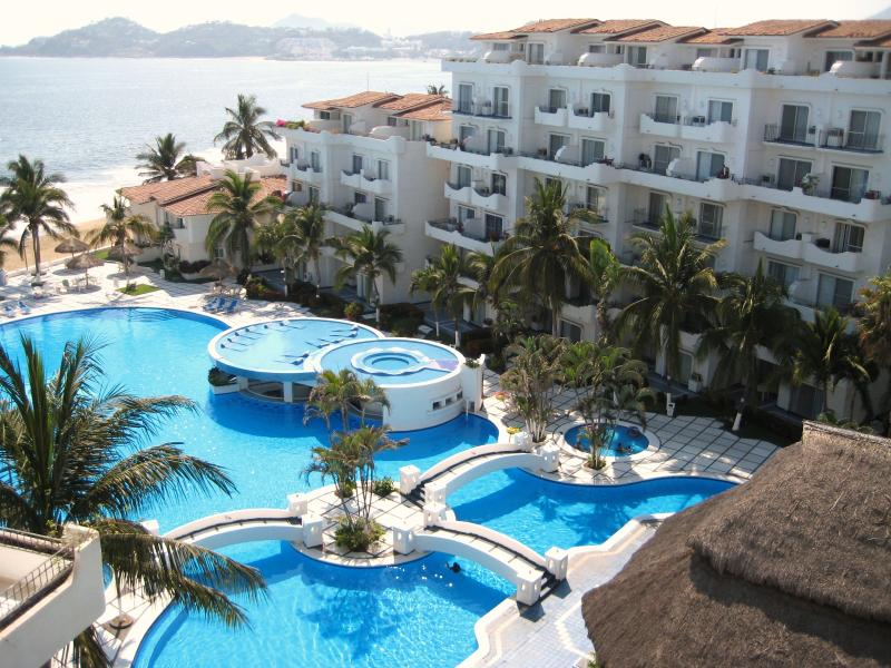 Elegance Blue, Manzanillo, Mexico, holiday rental in Manzanillo