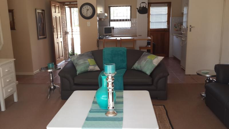 3 bedroom townhouse, holiday rental in Durbanville