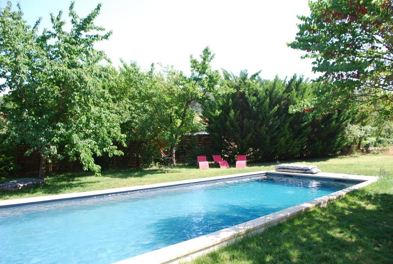 Aix en Provence- The Pine tree house, holiday rental in Saint-Marc-Jaumegarde