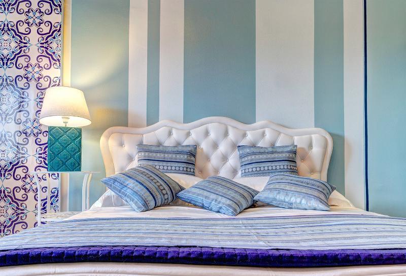 BLUE CURACAO Les Roches Noires, casa vacanza a Giardini Naxos