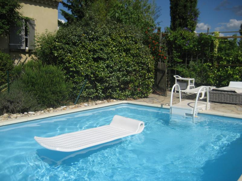 You can use the American matresses on the sunbed or on the water
