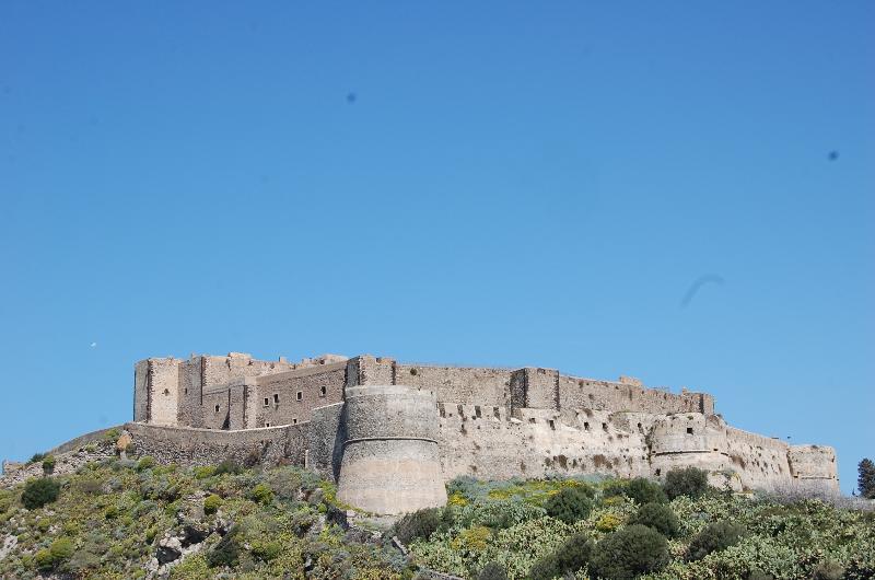 Veduta dalle camere sul Castello di Milazzo