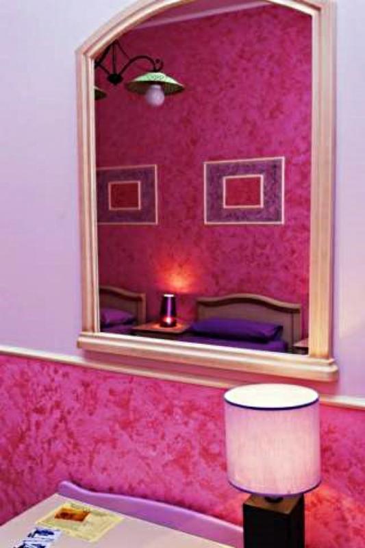 Bedroom Fuchsia