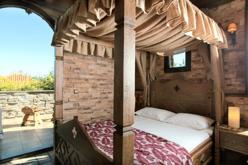 Bedroom | Red Bishop Villa Akrata Achaia