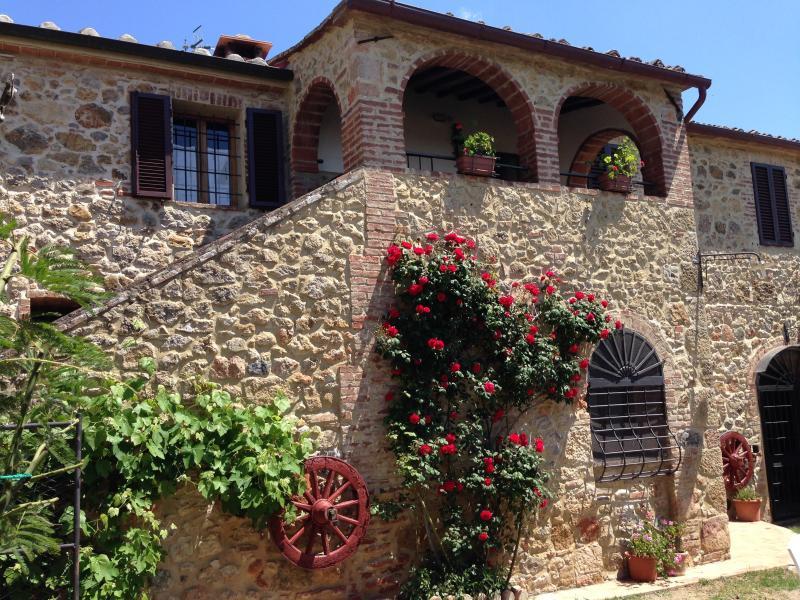 Podere il Focolare - La loggia -, holiday rental in Murlo