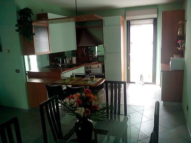 Casa con giardino sul Lago Maggiore, holiday rental in Miazzina