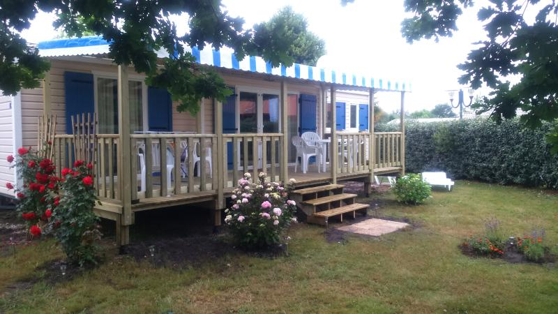 Mobile home grand confort dans village vacances4* detente, animations,spectacles, soleil, piscines..