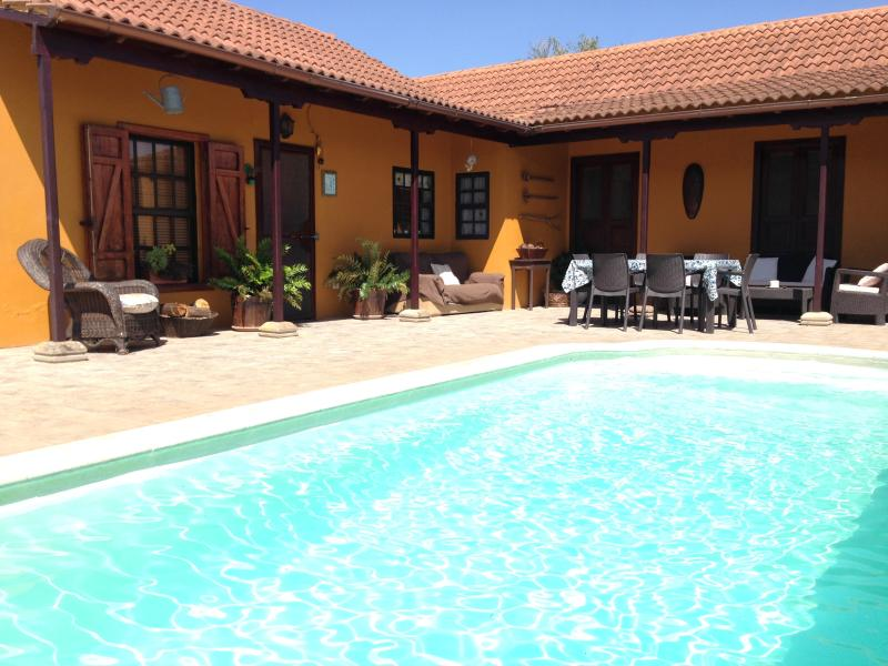 Cottage with large garden, fruit trees and private pool