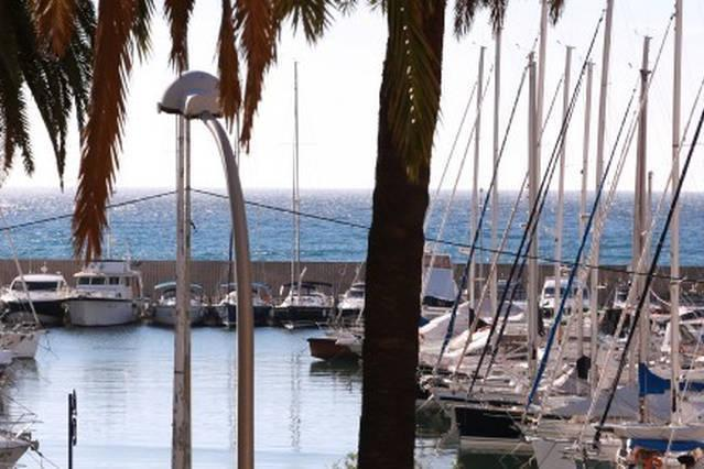 1 avis et 22 photos pour seafront elegant apartment with - Hotels in menton with swimming pool ...