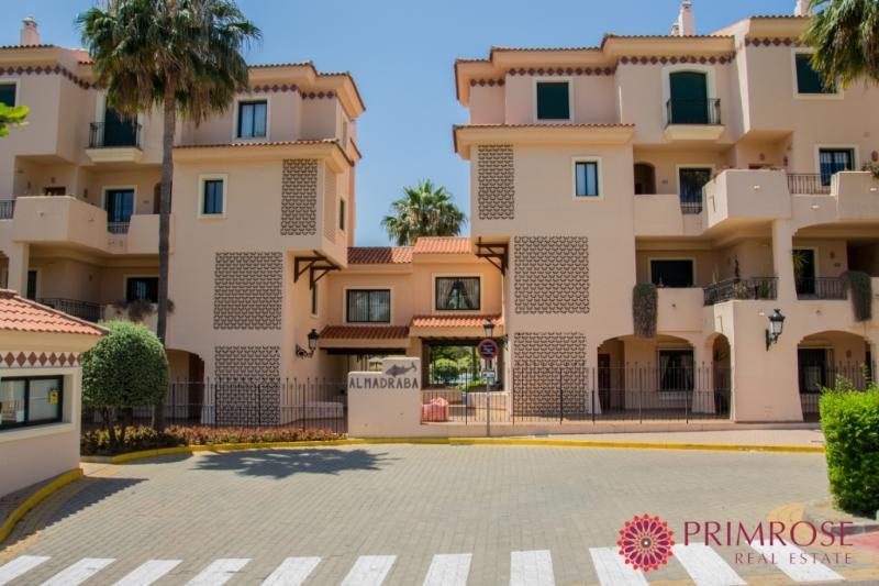 LA525 - 3 bed Duplex - La Almadraba - Duquesa