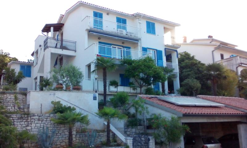 Apartment A3 novi (Nr.1), location de vacances à Rabac