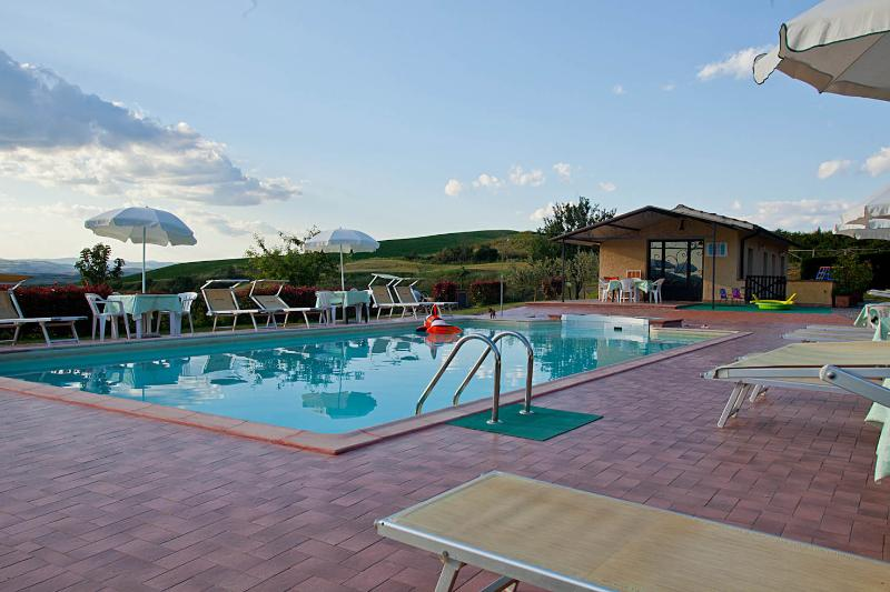 APPARTAMENTO  SOLE VISTA PANORAMICA CON PISCINA, location de vacances à Casanova Pansarine