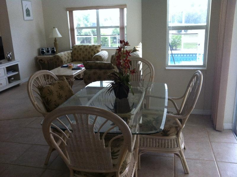 Breakfast area with casual dining and direct access to pool area