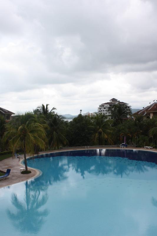 zona de piscina muy agradable