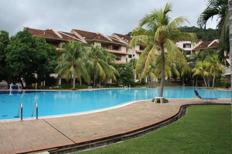 complejo muy verde y limpieza residencial