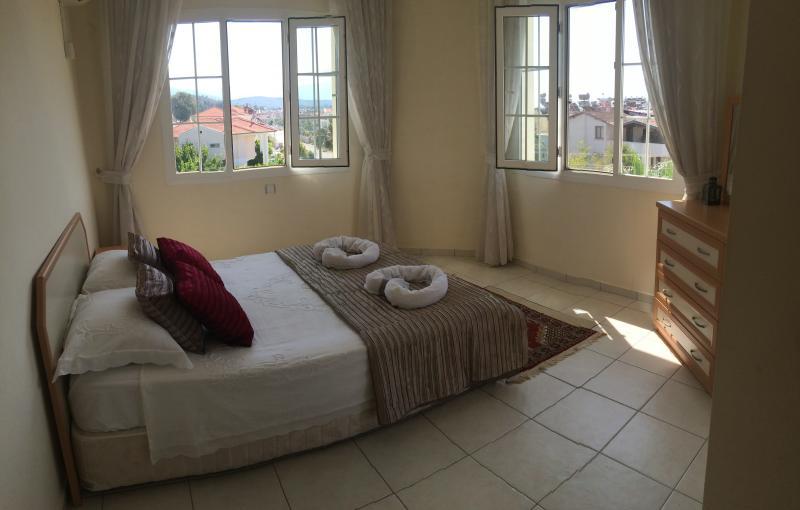 Master Bedroom c/w en-suite & balcony