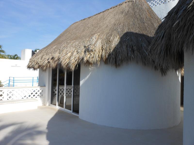 bedroom suite with bathroom on the second floor terrace facing the ocean