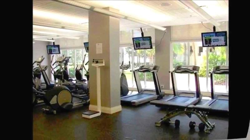 Gym / Gimnasio - ComprandoViajes