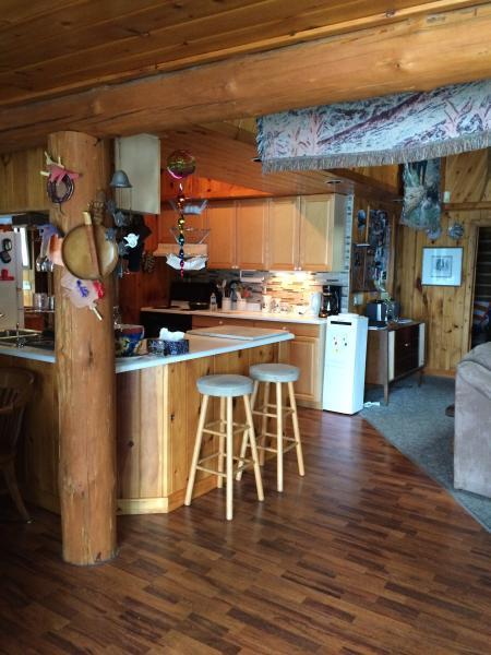 Rustic Log Cottage, holiday rental in Port Severn