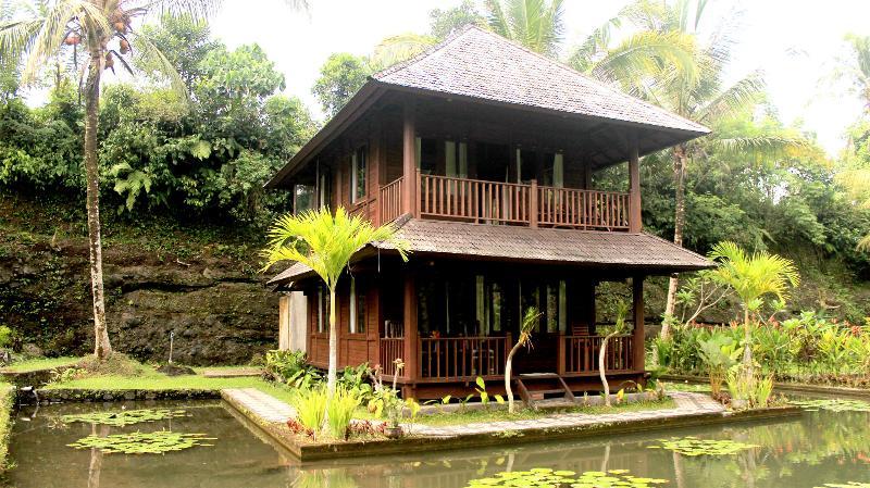 2 bedroom wooden house
