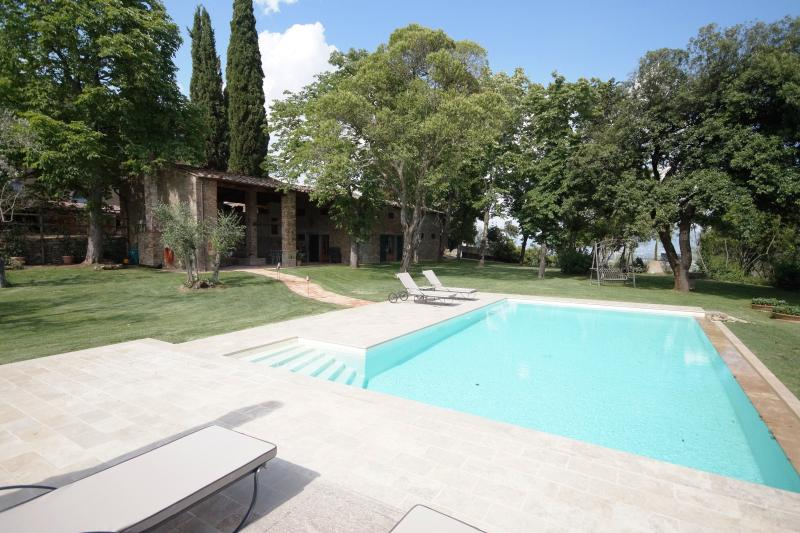 Big garden,own pool and wheelchairfriendly, pets, alquiler vacacional en Civitella in Val di Chiana