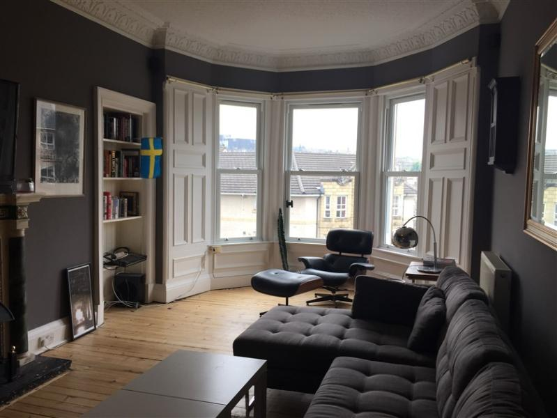 Welcome to 77 McDonald Road. A spacious 2 bedroom (sleeps 4) third floor apartment with castle views