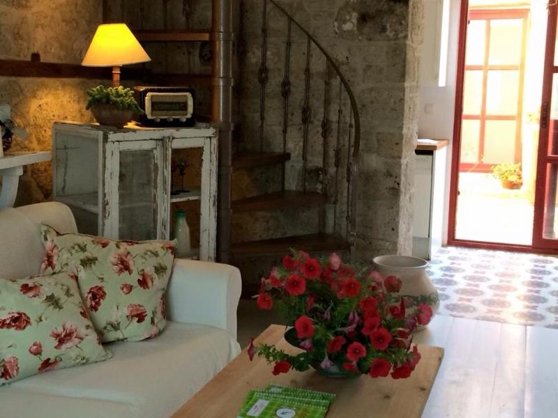 benceev red house, holiday rental in Alacati