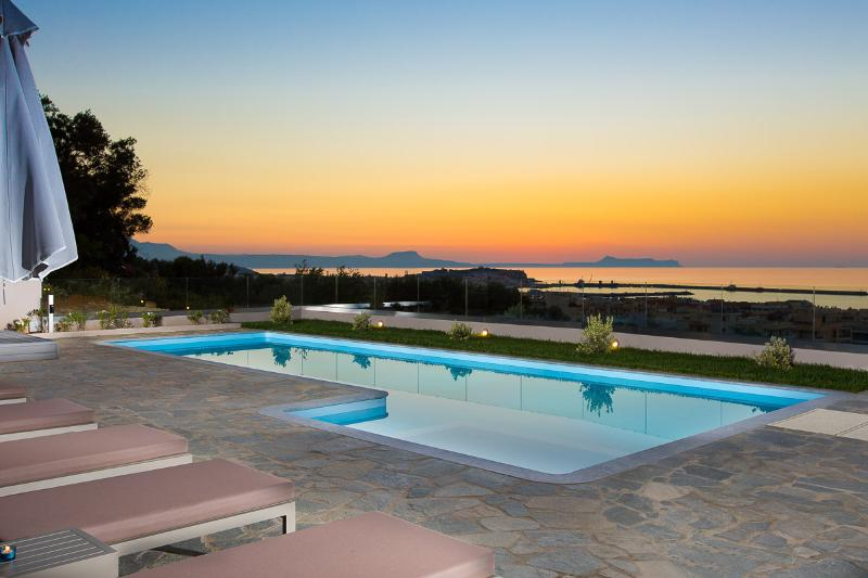 The best location to enjoy the sunset view of Rethymno city