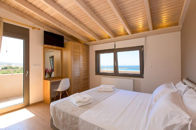 Main bedroom with en-suite bathroom on the loft!