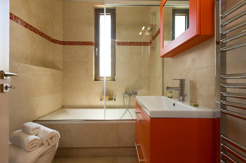 Bathroom with bath on the first floor!