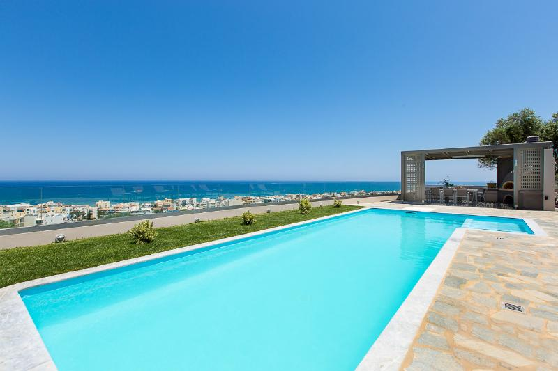 50 sqm heated pool ! It also contains a shallow part for children and pool alarm