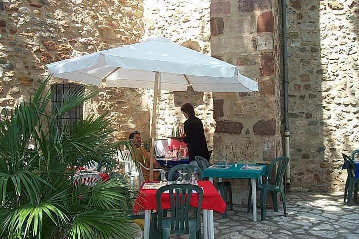 restaurante en saint chinian