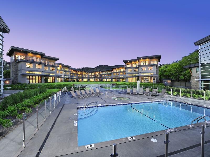 Lakefront, Luxury Living, Kelowna, Pool, Beach, holiday rental in Kelowna