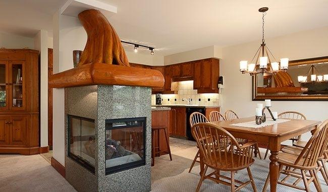 Snowbird - Whistler, BC: 3-BR, Sleeps 8, Kitchen, holiday rental in Whistler