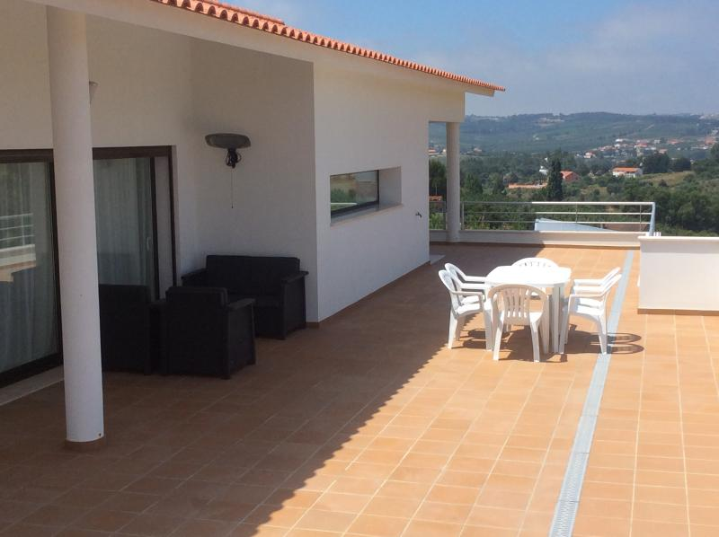 Upper terrace with views of surrounding countryside and Serra dos Candeeiros hills