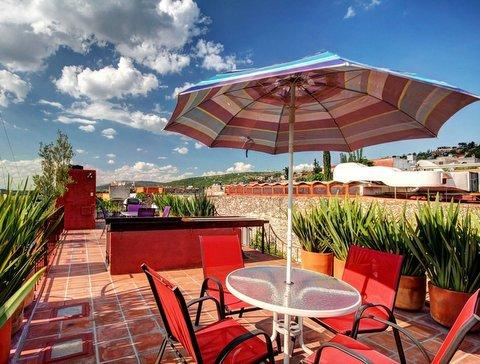 A happy and elegant terrace with great views to San Francisco street and the Parroquia
